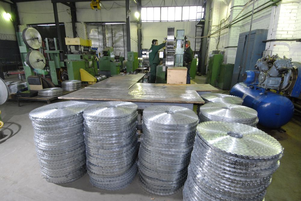 manufacture of the barbed wire